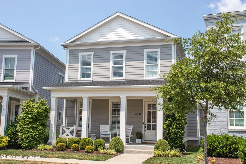 Fantastic opportunity to own in Norton Commons. This well maintained 4bd 4ba is located in the desirable North Village. The free flowing open floor plan comes with hardwood flooring throughout. The 1st floor features a great room, dining area, half bath, good sized laundry room and a large pantry that compliments the modern kitchen  that comes...