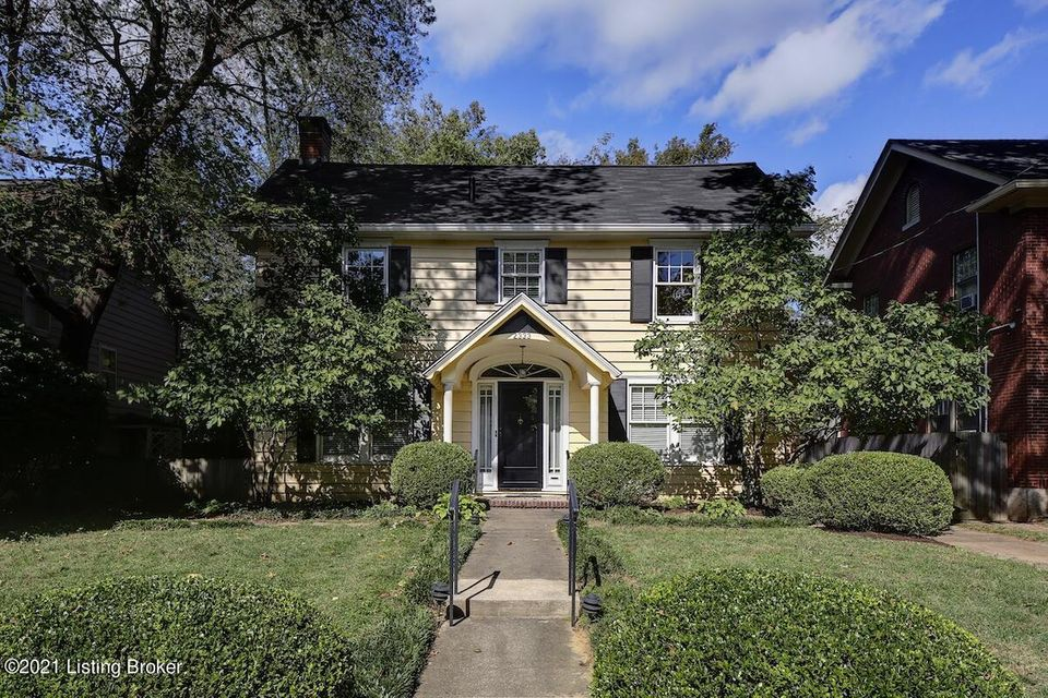 A lovingly lived-in Highlands classic awaits a new owner!  A welcoming entry with powder room and closet opens to an office with French doors and plenty of built-in bookcases and cabinets for organizing a home office.  The living room has a gas log fireplace with decorative mantel with marble surround, flanked by built-ins.  There is a large...
