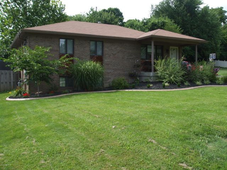 9400 Hi View Ln, Louisville, KY 40272