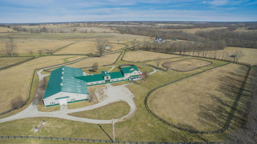 48 acre estate in beautiful Shelby County Kentucky.