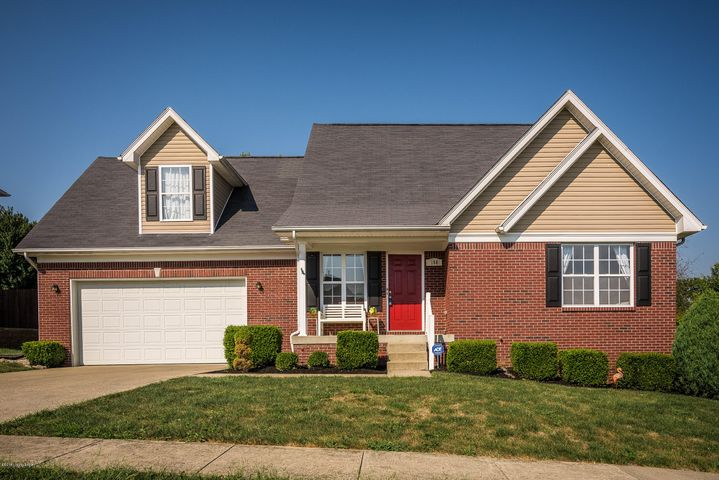 160 Lincoln Station Dr, Simpsonville, KY 40067
