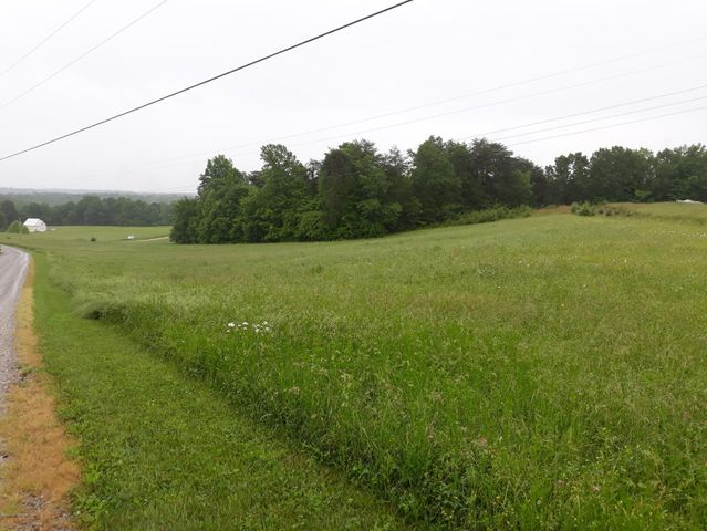 660 Indian Cliff Rd, Clarkson, KY 42726