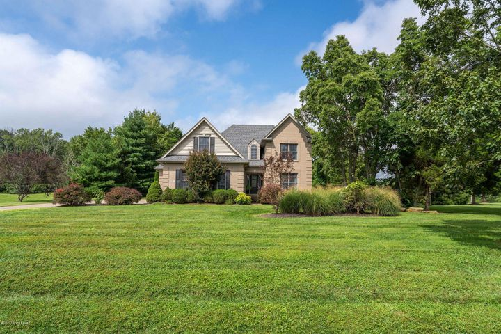 3707 High Crest Ct, Crestwood, KY 40014