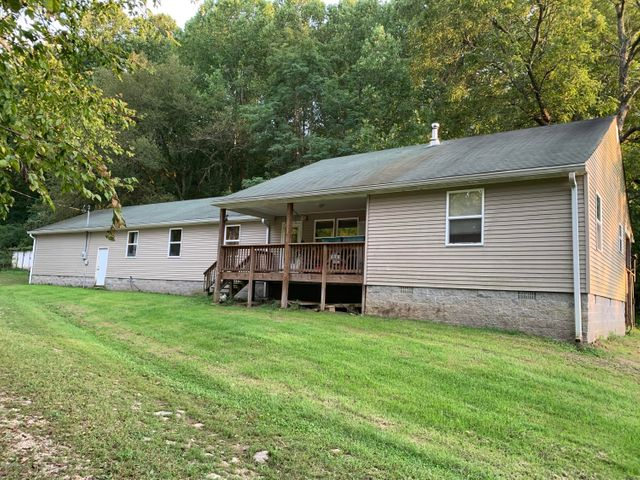 2900 18 Mile Creek Rd, Westport, KY 40077