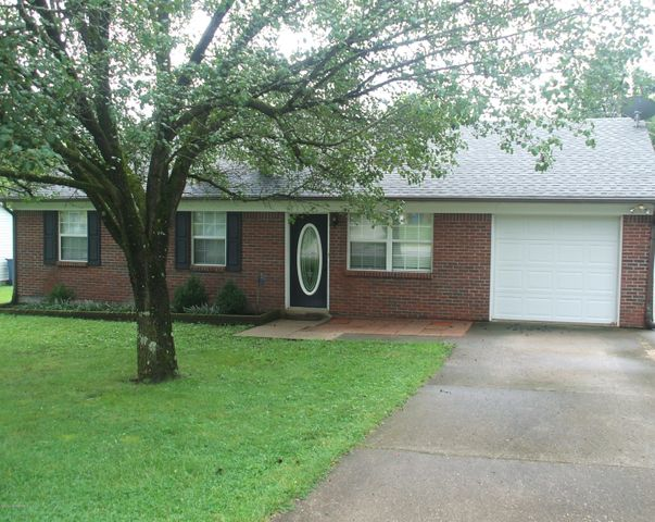 104 Woodland Park Cir, Lawrenceburg, KY 40342