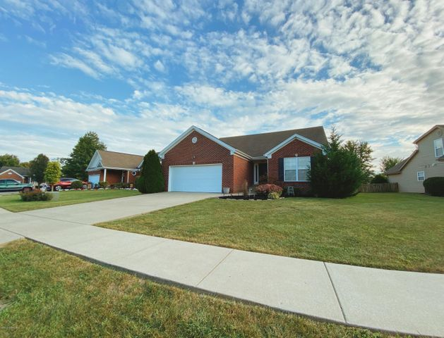 1029 Station Pointe Ln, Simpsonville, KY 40067