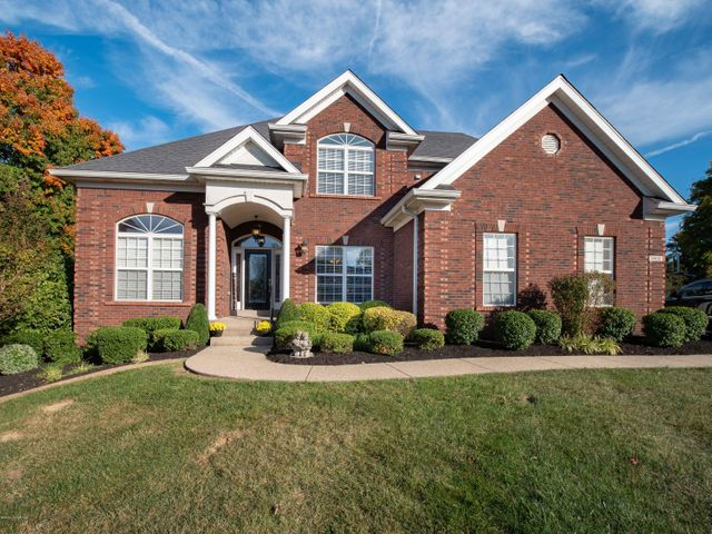 6803 Cliffside Ct, Louisville, KY 40228