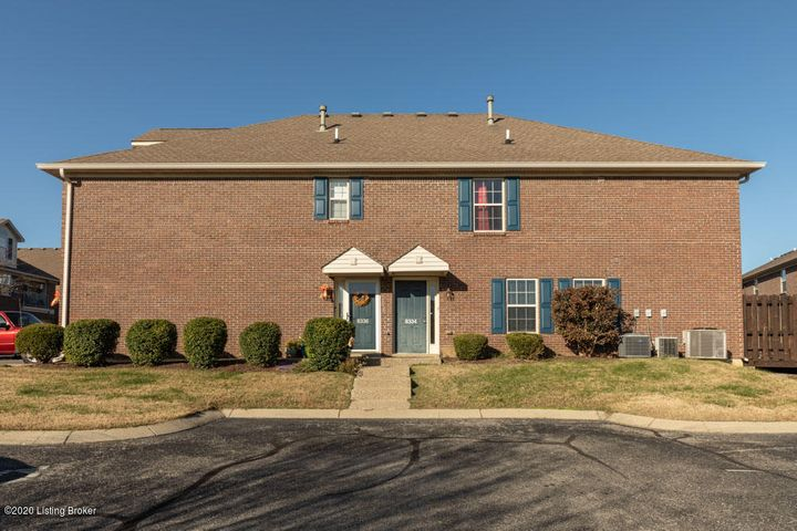 8334 Grand Trevi Dr, Louisville, KY 40228