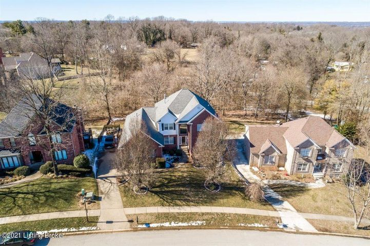 5012 Wolfpen Woods Dr, Prospect, KY 40059