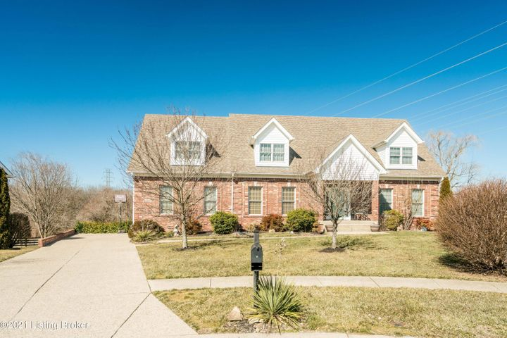 12700 Willow Park Dr, Louisville, KY 40299