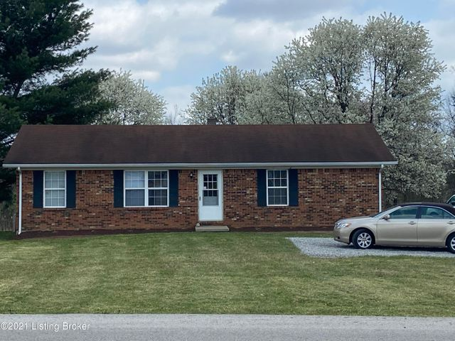 Beautiful 3 Bedroom 2 Bath in the country on half acre!
