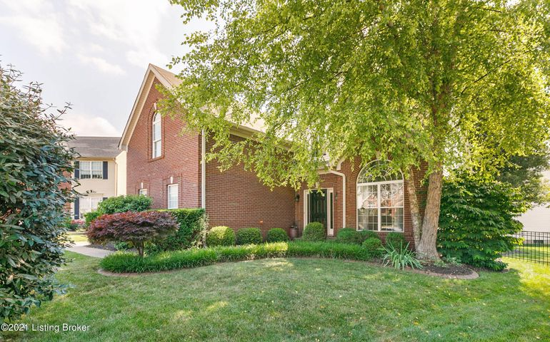 3404 Coventry Greens Ct, Louisville, KY 40241