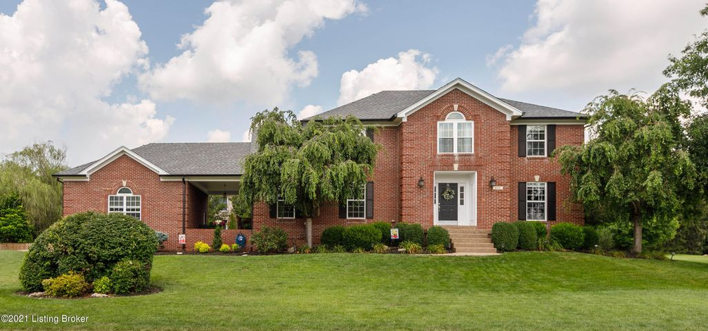 202 Sycamore Hills Ct, Louisville, KY 40245