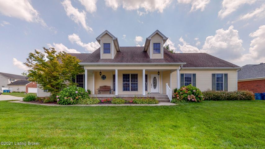 115 Lincoln Station Dr, Simpsonville, KY 40067
