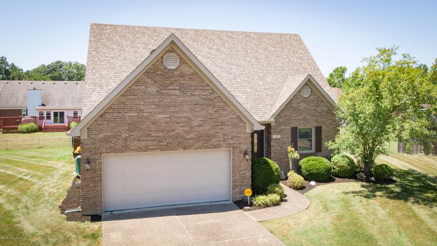 400 Olde Colony Cove
