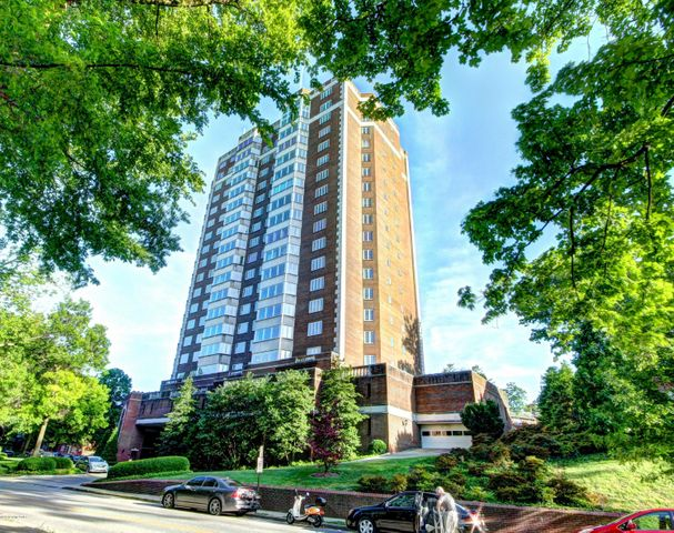 This is a rare opportunity to own one of the largest units at the prestigious 1400 Willow. Enjoy sweeping, panoramic views overlooking Louisville's iconic Cherokee Park and the historic Cherokee Triangle neighborhood. Designed by legendary Louisville and New York designer Jay Spectre with his world-renowned designer Geoffrey Bradfield, this upscale and elegant double unit is built with high-end impeccable materials, unique architectural details and exceptional storage.  A spacious master bedroom features 2 full bathrooms, a beautiful bay window sitting area and abundant, distinctive closets and storage. The open floor plan kitchen is equipped with a Wolf stove and Sub Zero refrigerator. All of the plentiful windows have been replaced and updated.