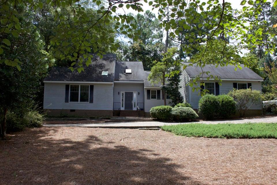 115 Fox Hunt Lane, Southern Pines, NC 28387