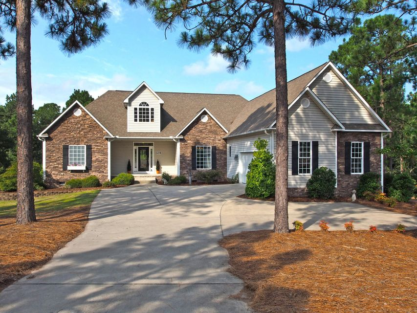 105 Leewood Court, West End, NC 27376