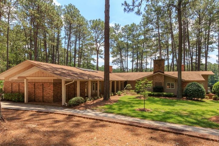177 Cross Country Lane, Southern Pines, NC 28387