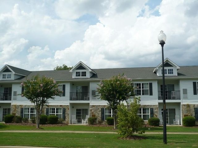 B208 Little River Farm Boulevard, 208 B, Carthage, NC 28327