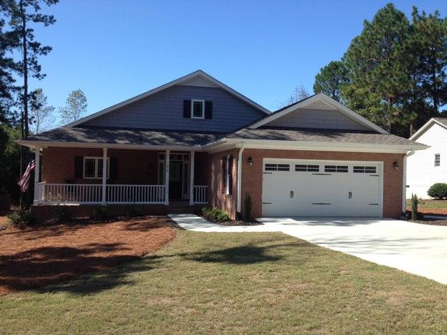 470 Sandhills Circle, Pinehurst, NC 28374