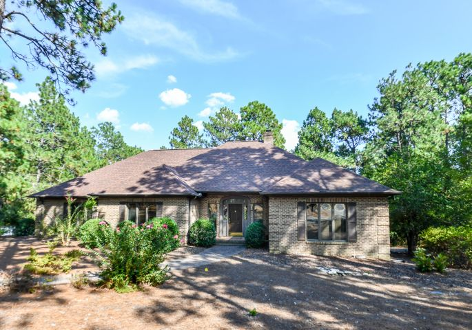 42 Pinewild Drive, Pinehurst, NC 28374