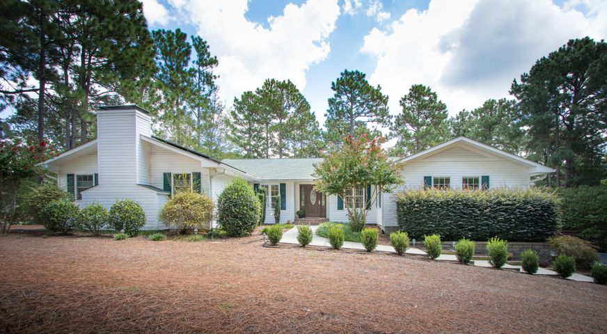 10 Firestone Lane, Pinehurst, NC 28374