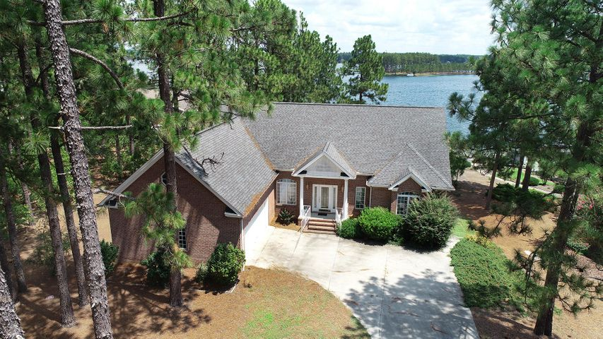329 Longleaf Drive, West End, NC 27376