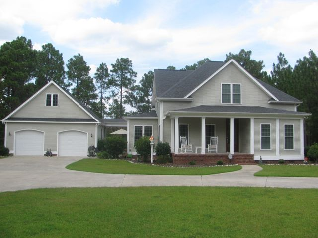 357 Longleaf Drive, West End, NC 27376