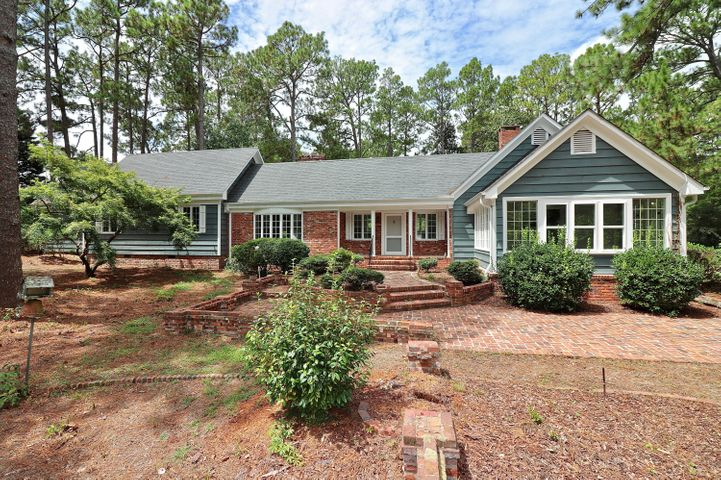 2250 E Connecticut Avenue, Southern Pines, NC 28387