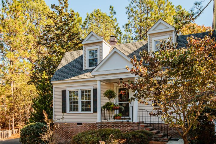 5 Colonial Pines Circle, Pinehurst, NC 28374