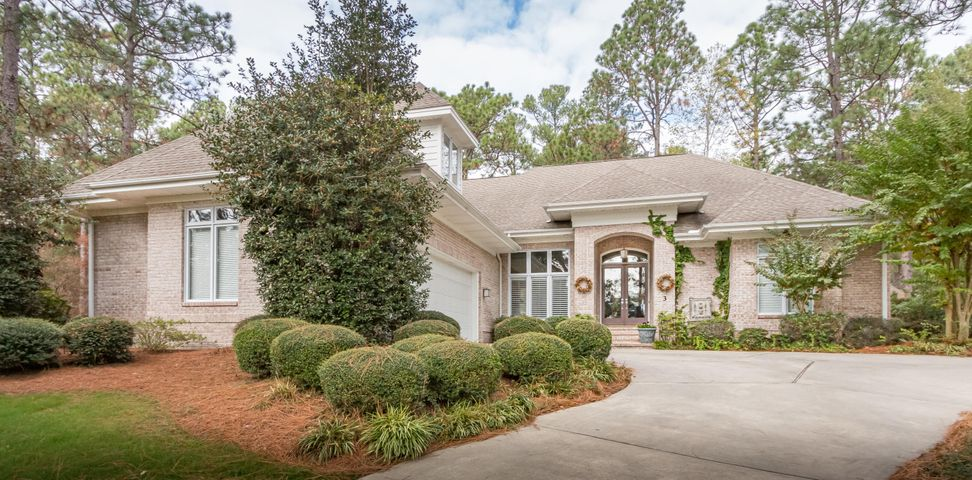 3 Holly Knoll Court, Pinehurst, NC 28374
