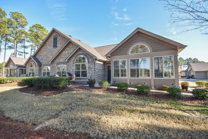 129 W Chelsea Court, Southern Pines, NC 28387