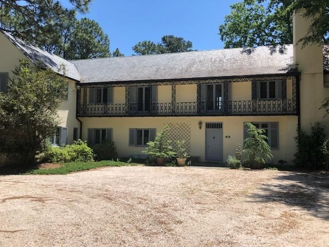128 Tremont Place, Southern Pines, NC 28387