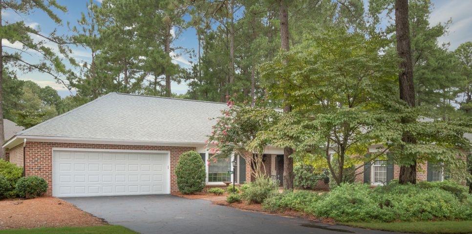 34 Courtney Place, Southern Pines, NC 28387