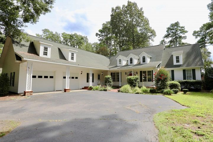Welcome home to 558 Loblolly Drive