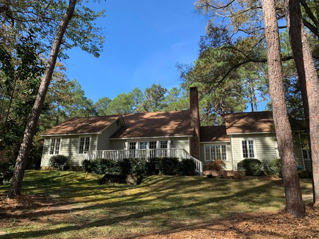 235 Old Dewberry Lane Lane, Southern Pines, NC 28387