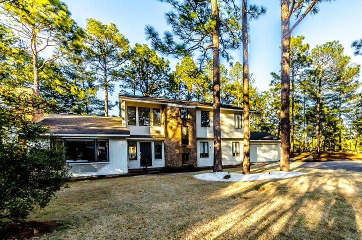 10 Apaloosa Place, Pinehurst, NC 28374