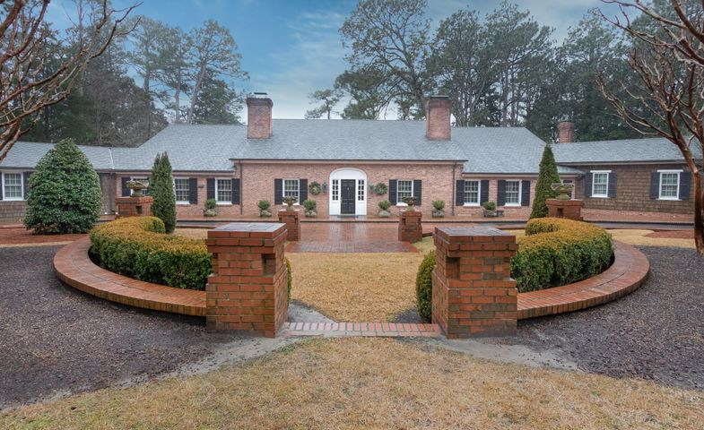 4 Augusta Way, Pinehurst, NC 28374