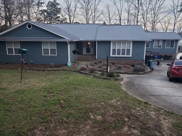 332 Grey Fox Rd, Ellerbe, NC 28338