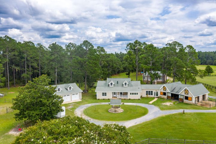 2081 Youngs Road, Vass, NC 28394