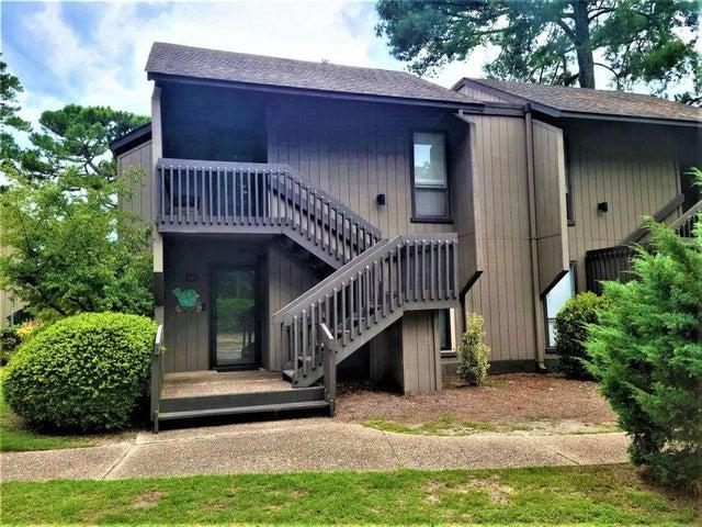 5 Pine Tree Road, 207, Pinehurst, NC 28374