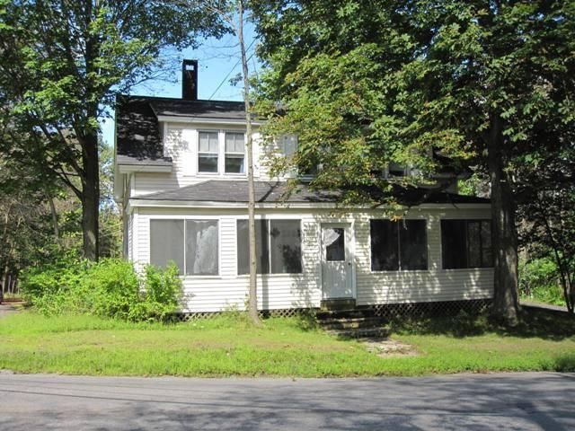 77-79 Enfield Road, Lincoln, ME 04457