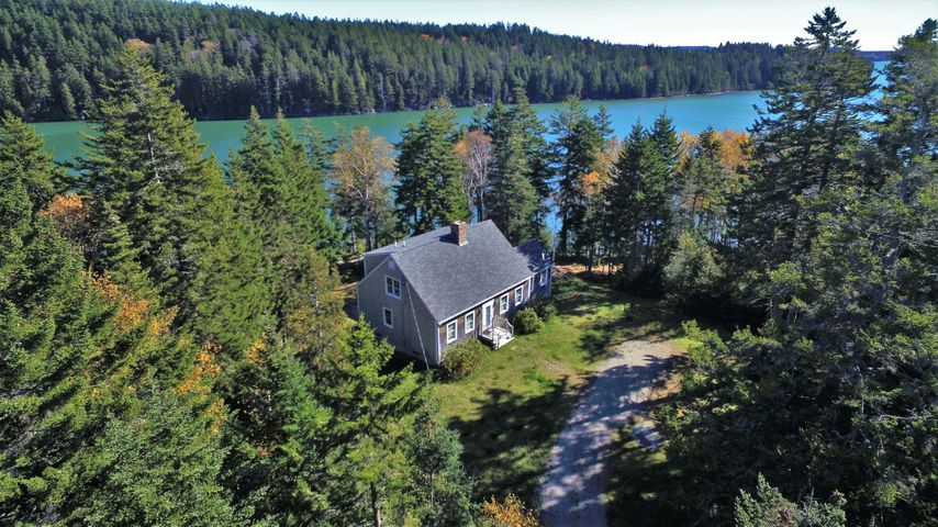 163 North Duck Cove Road N, Roque Bluffs, ME 04654