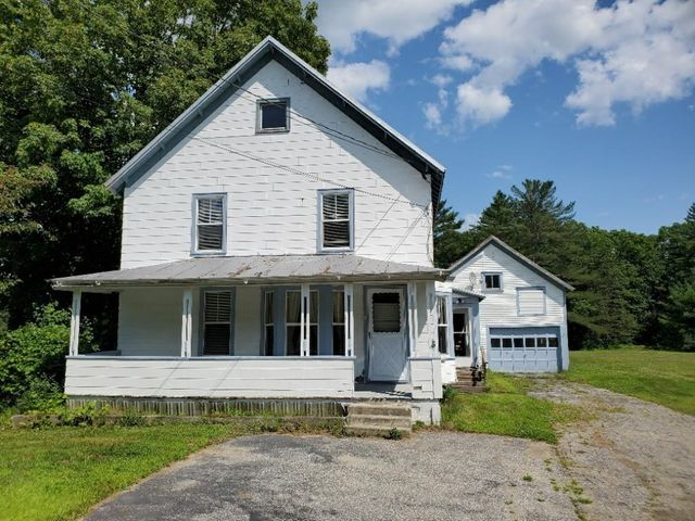 26 Farmington Road, Strong, ME 04983