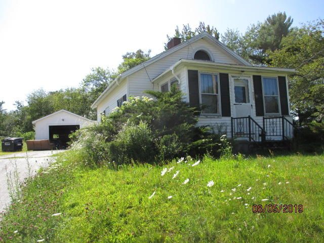 993 Main Road, Holden, ME 04429