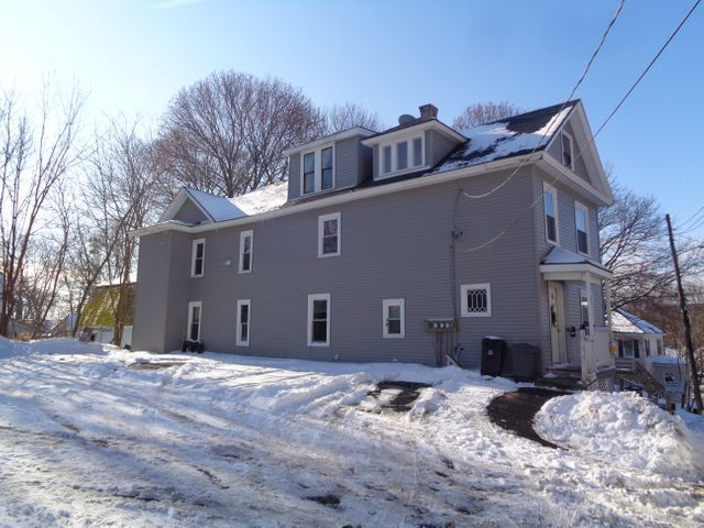 11 Center Street Avenue, Bangor, ME 04401