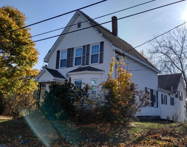 31 Highland Avenue, Lewiston, ME 04240