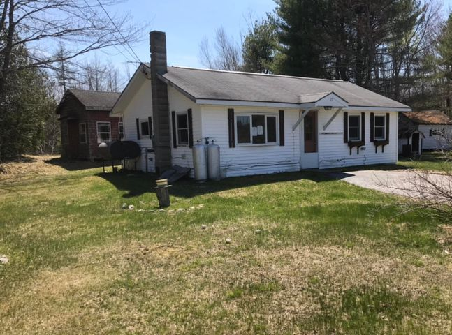 27 Tracy Road, Franklin, ME 04634