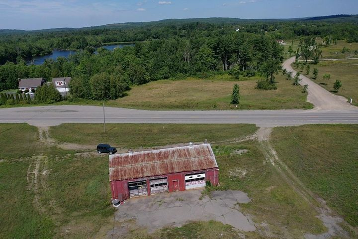 202 US Route 1 Highway, Baring Plt, ME 04619